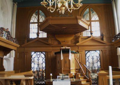 Kansel kerkgebouw Tjamsweer